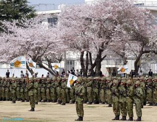 習志野駐屯地祭の部隊整列の情景