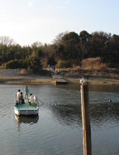 牛川渡し船