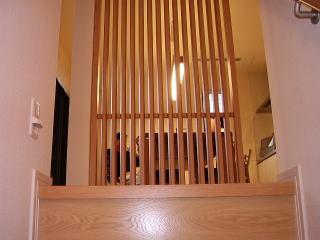 一階から二階への階段ホール