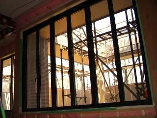 二階ベランダの窓