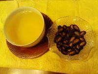 西瓜子と東方美人茶