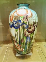 美しい七宝焼の壷