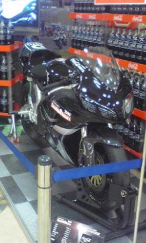 鈴鹿8耐バイク コカコーラ