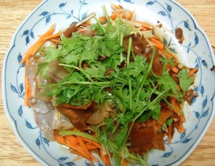 白身魚と香菜のマリネ