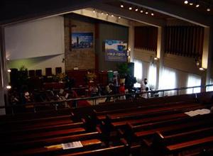 ドンスン教会、礼拝堂の2階