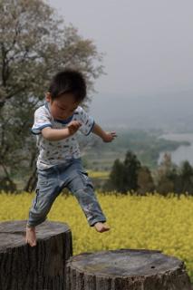20080502菜の花nobuジャンプ