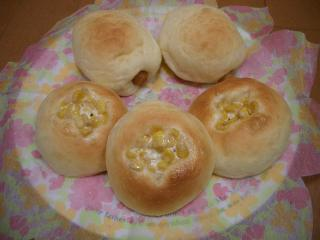 ウインナーパン・コーンマヨパン
