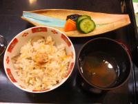 炊込みご飯 香の物 味噌汁
