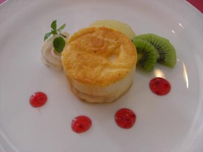 塩沢湖 リンゴのケーキ