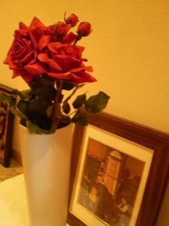 玄関の赤い薔薇
