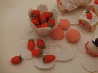 ミニチュア粘土 苺