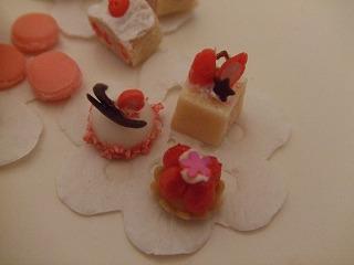 ミニチュア粘土 苺ケーキ
