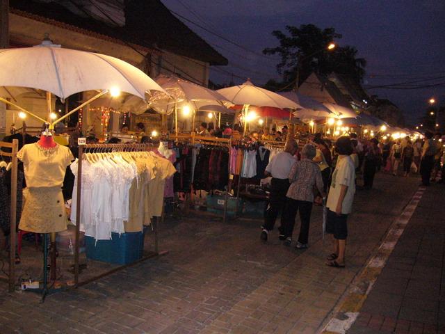 Sunday Market 11
