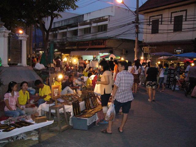 Sunday Market 8