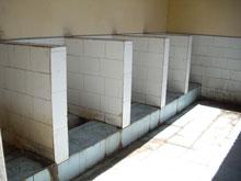 これがニーハオトイレってやつだな・・