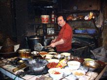 これ父!夕方くらいからは、忙しくてもう厨房に入りっぱなし