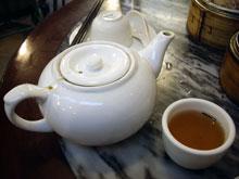 飲茶はプーアル茶が人気で何も言わないと大概コレ!