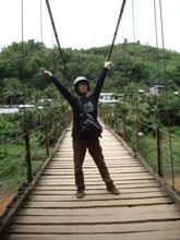 吊り橋が心許ないんだなー、踏み板がスカスカだしw こえ