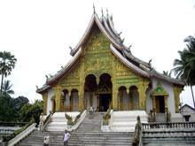 これが一番でかくて綺麗だった寺-!キラキラ輝かしかった