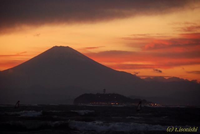 富士山と江ノ島(2007/11/18)
