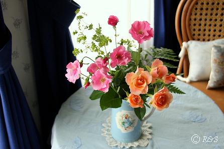 花瓶にバラ20080523-5IMG_1436