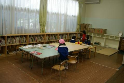 DSC00673図書室
