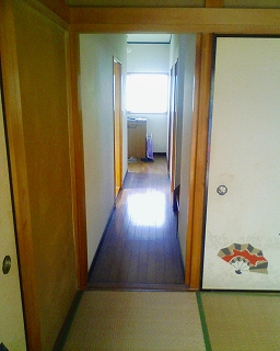 1階和室から廊下