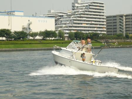 船 モーターボート
