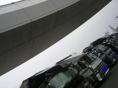 わぁ~~*いっぱいのトラックだぁ!