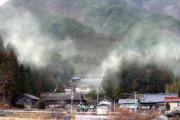 15日午後、岩手県大船渡市三陸町吉浜で、佐藤嘉宏さん撮影