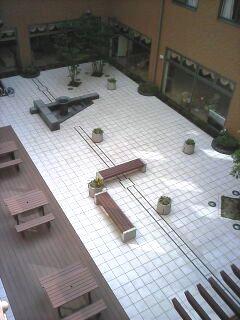 土庫病院 中庭