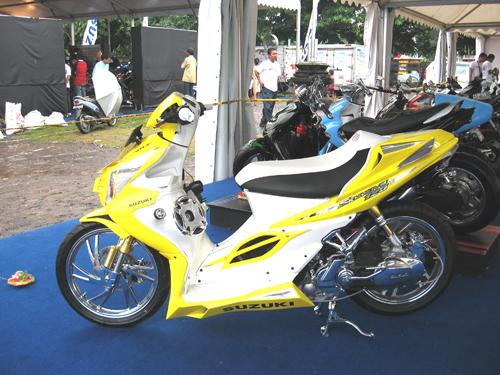 バイク・黄色