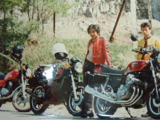 二十歳代の親父CBX1000に乗る
