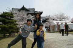3姉兄弟と桜