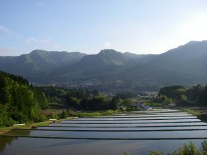 080511田と外輪山