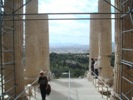 神殿ならアテネを望む