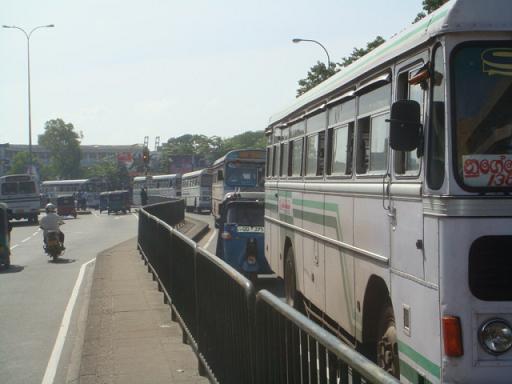 コロンボ・バス3
