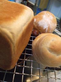 食パン、ウインナーパン&うずまきパン