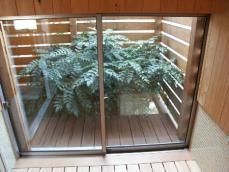 風呂(窓1)