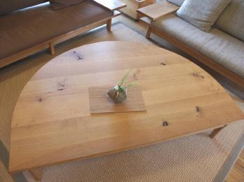 森のことば・半円テーブル