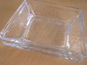 ガラス皿・2