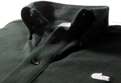 ラコステのボタンダウンカラーのポロシャツ