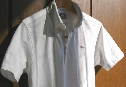 ラコステ(Lacoste)のボタンダウンなポロシャツ/KH002C。