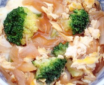 ブロッコリー卵とじ丼3