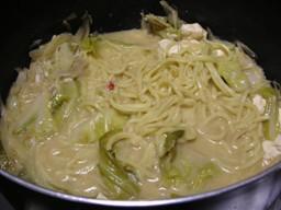 麺投入(*゚▽゚)ノ