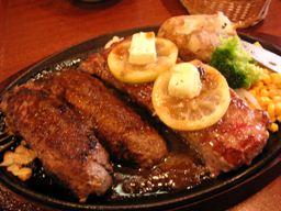 お肉、大好き(*゚▽゚)ノ