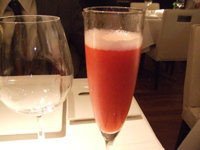 chez tomo(シェ・トモ) イチゴのシャンパン