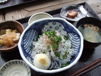 江ノ島の和食屋さん『小屋』(コヤ) 釜揚げシラス丼