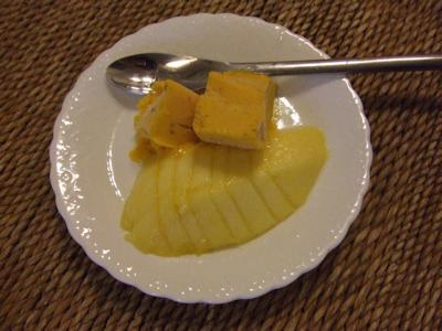 マンゴーアイスとマンゴー