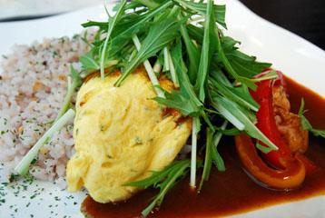 雑穀米とオムレツ